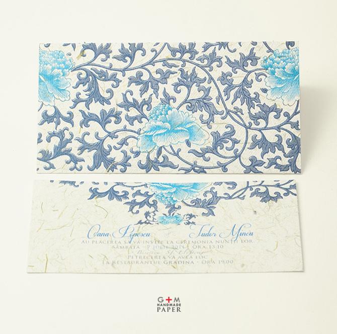 Flori albastre model de invitatie e iarna