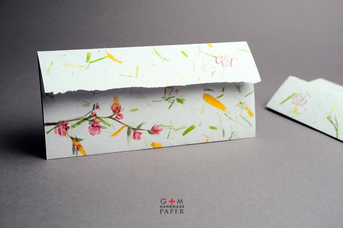 Flori pictate pe model invitatie de nunta
