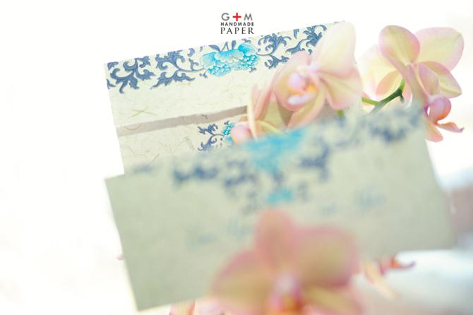 Invitatie de nunta model cu flori si ornamente