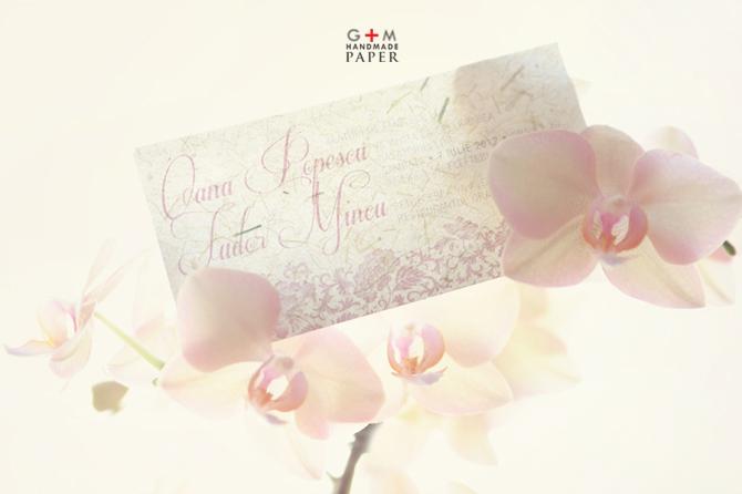 Text roz roz inchis invitatie pentru nunta