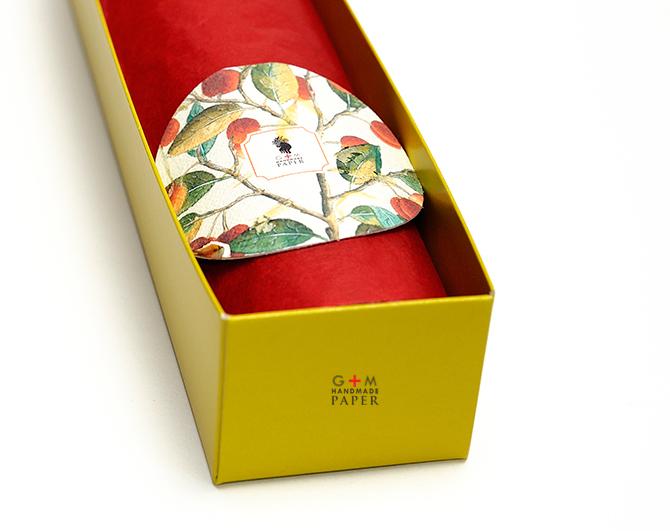 Eticheta Hartie cu seminte de flori colorate
