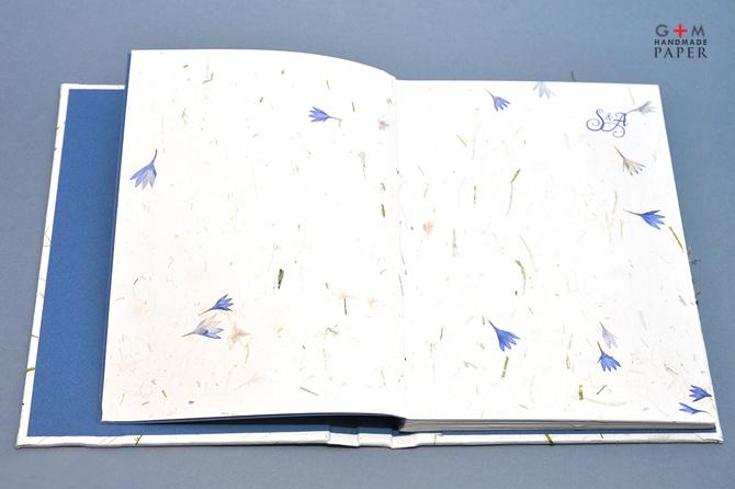Hartie-cu-iarba-si-flori
